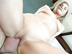 Investor Put one over on is a sex hungry European MILF. Attractive unspecific