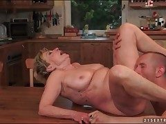 Licking added to shagging mature pussy hard
